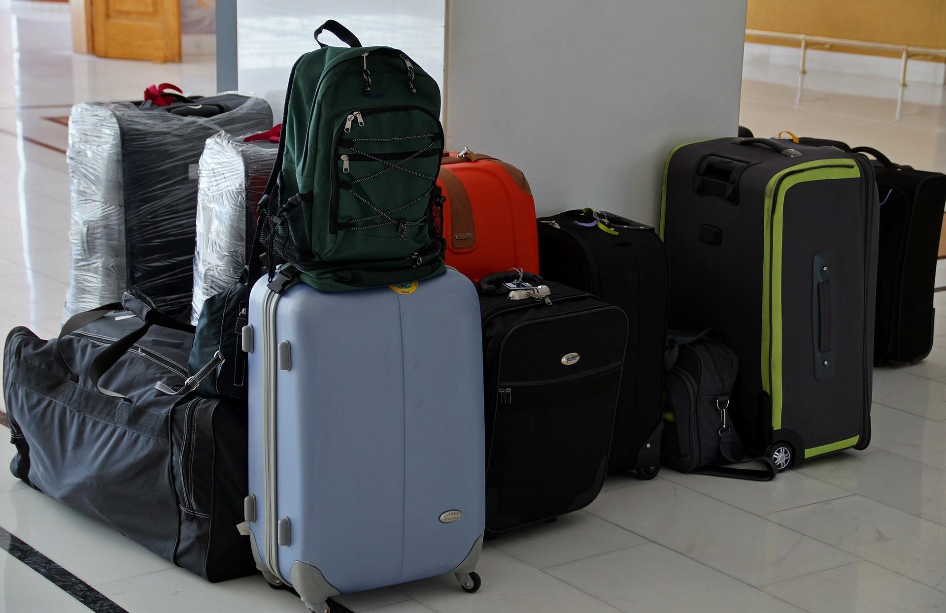 e74d2e375c 国内の旅行、出張に一週間行く人におすすめのキャリーバッグ2選